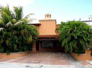 Casa en Venta en Pok Ta Pok con vista al campo de golf, Cancún