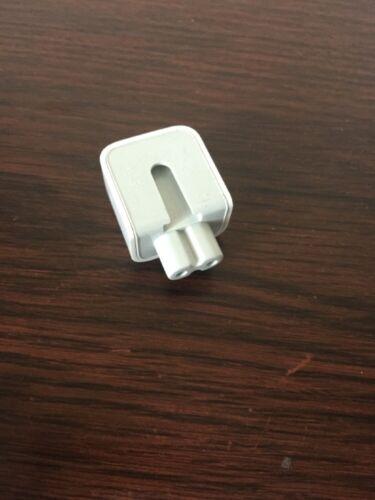 Apple Mac Macbook  E161470 Well Shin Duckhead 2 Prong Wall Adapter 2.5A 125V
