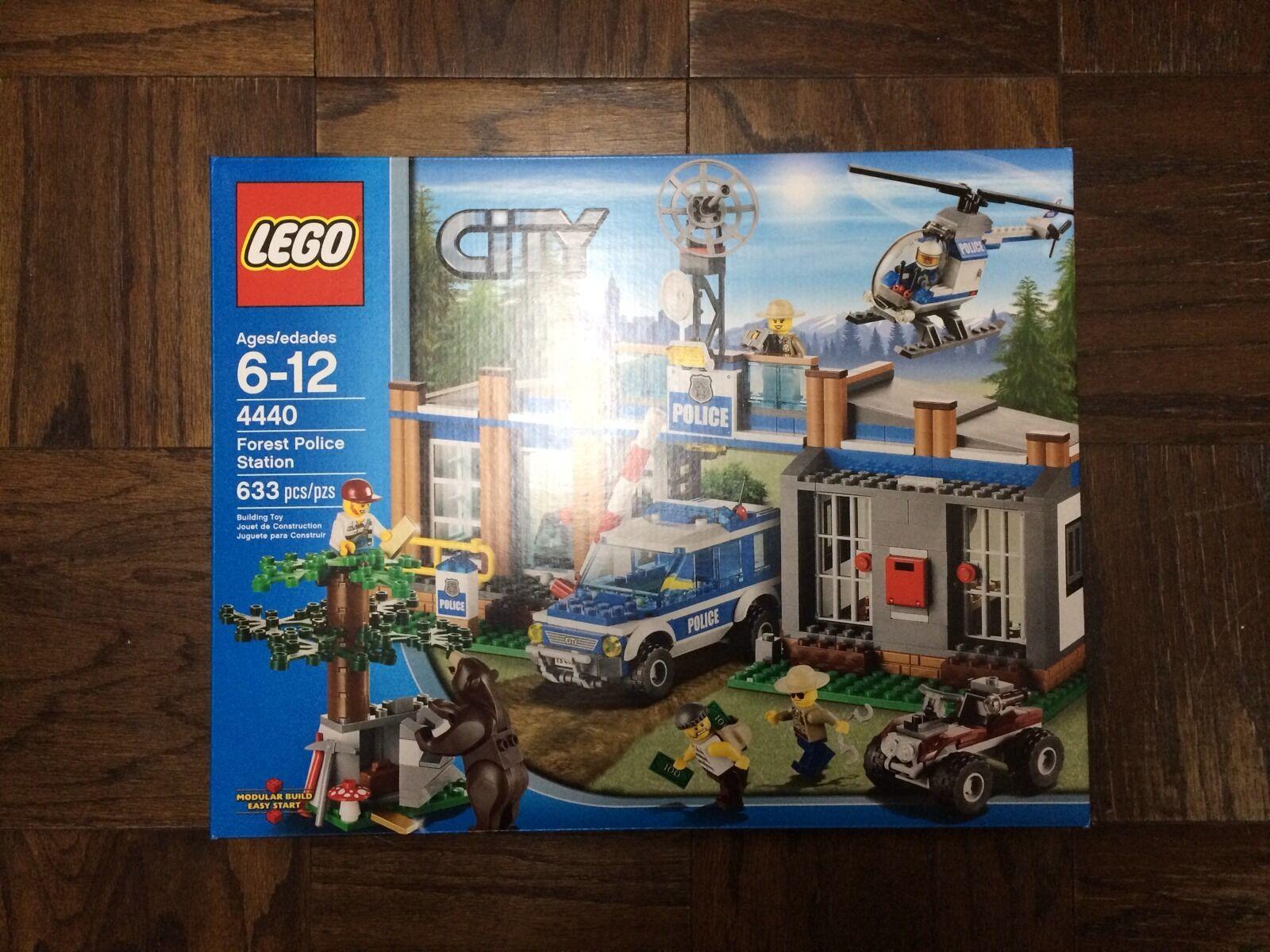 NEUF  LEGO CITY Forest Police Station (4440) - NEUF  bonne réputation