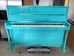 Beautiful-Modern-Upright-Piano-Refinished-in-the-Colour-Of-Your-choice-WHITE