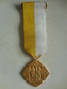 medaglia-croce-pro-ecclesia-et-pontefice-Giovanni-paolo-II