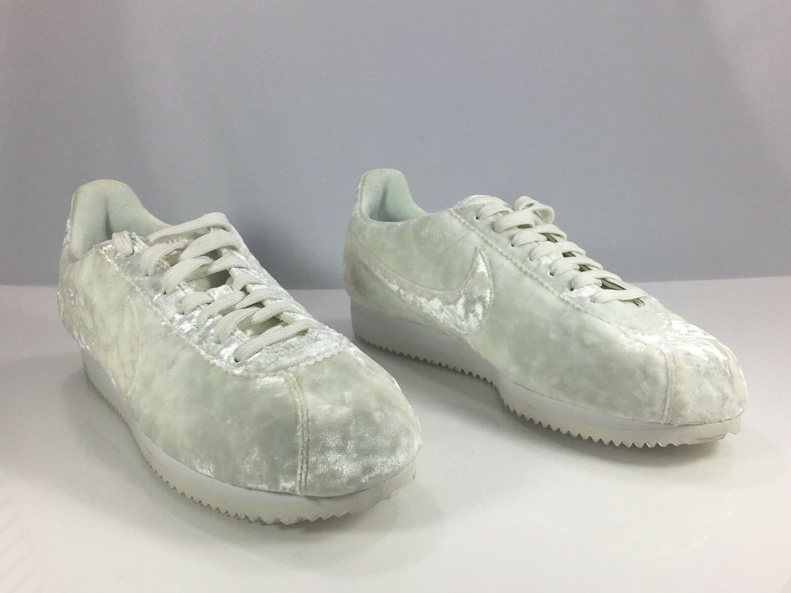 Nike Cortez Classic LX Velvet White Womens Comfortable Comfortable and good-looking