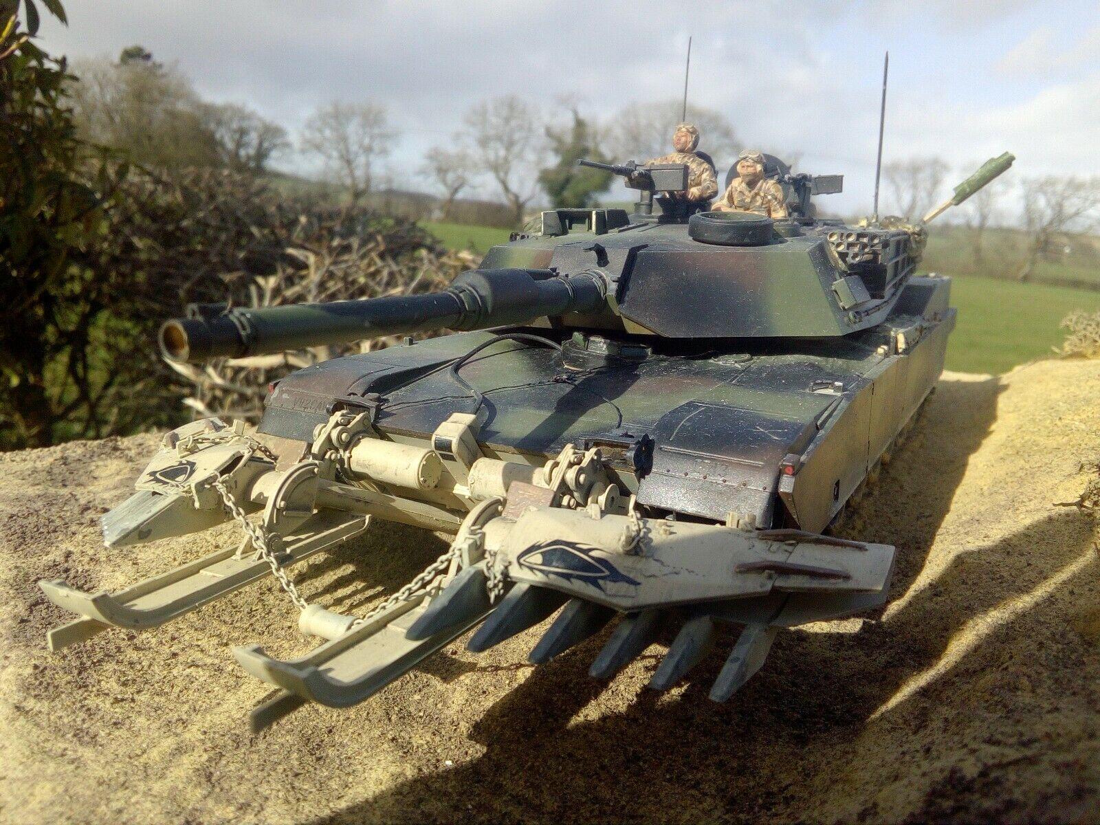 1 35 scale Tamiya U S M1A1 Abrams with Mine Plow  with Diorama Base (JH)