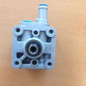 Volvo power steering pump s60 s80 v70 xc70 1999 2005 ebay for 1999 volvo s80 window regulator