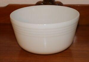 Vintage White Glass Pyrex Bowl 8 1/4 x 4 1/4 inch very good