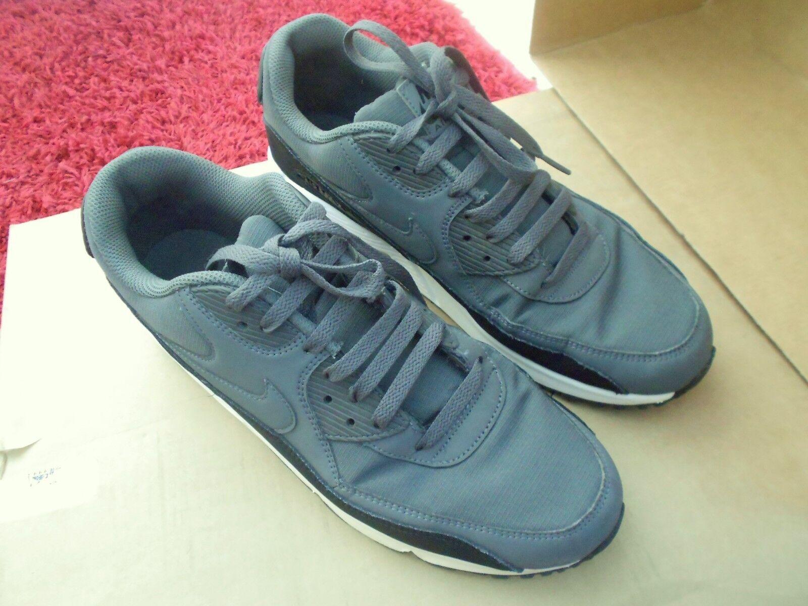 Nike Air  Max 90 Essential Corriendo Zapatillas tamaño de Reino Unido - 10 en buenas condiciones  marca en liquidación de venta