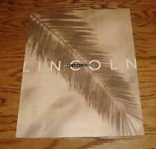 Original 2001 Lincoln Continental Deluxe Sales Brochure 01