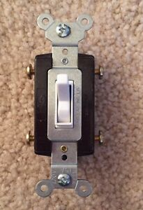 PASS & SEYMOUR 664-WG 4-Way Toggle Switch 15A 120/277v w/gnd side wire