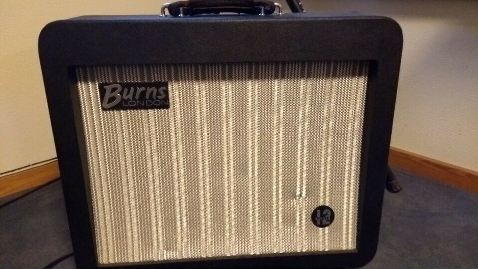 Guitarforstærker, Burns Orbitt double 12, 50 W