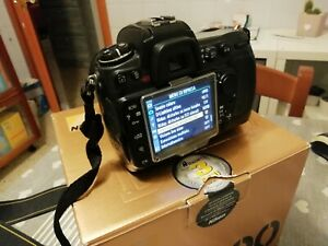 Nikon-D300-battery-grip