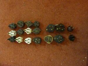 18-0ff-Bakelite-rubber-Plugs-Vintage-MK-Round-Pins-15-Amp-and-3-amp