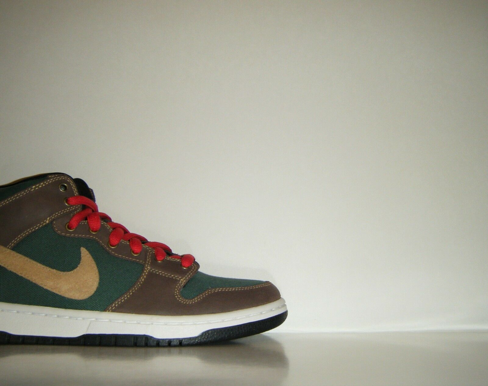 2011 Nike Dunk Mid Pro SB PATAGONIA Green Brown Boot Sample Sz 9 High 314383-302