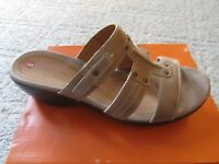 Clarks Unjudge Taupe Sandals Womens 9 Unstructured Msrp $110 Free Ship