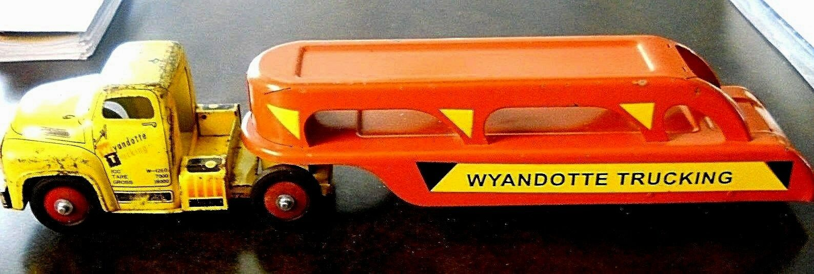 Vintage WYANDOTTE années 1940 Pressed Steel Car Carrier