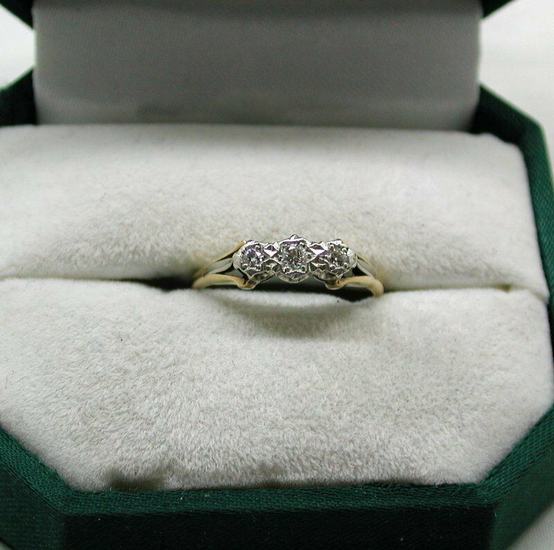 Vintage molto molto molto bello 18ct oro e Platinum tre pietra anello di diamanti ddbfab