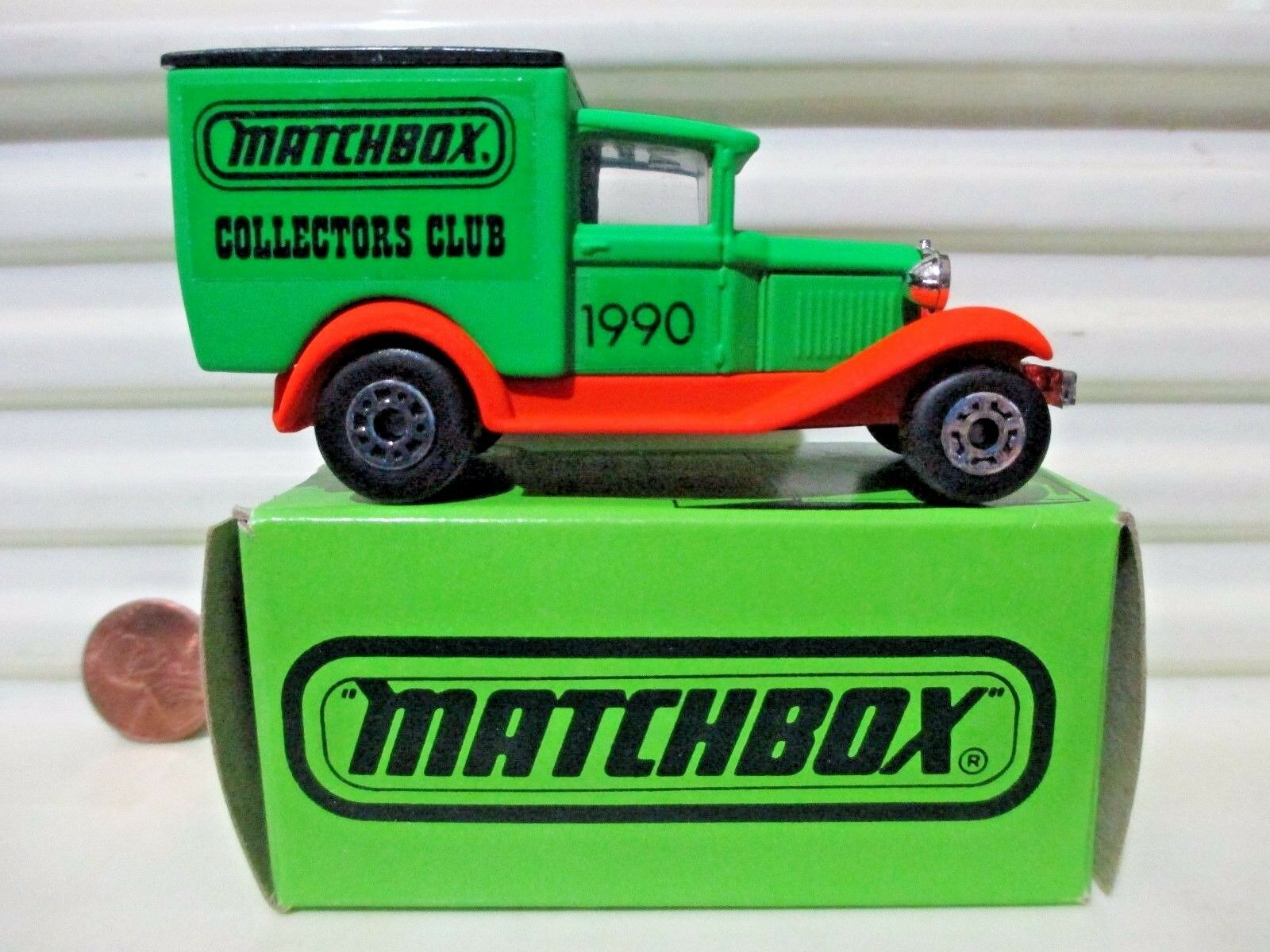MATCHBOX COLLECTORS CLUB 1990 MB38 Ford Van WITH  SUPERFAST  on Base Mint Boxed