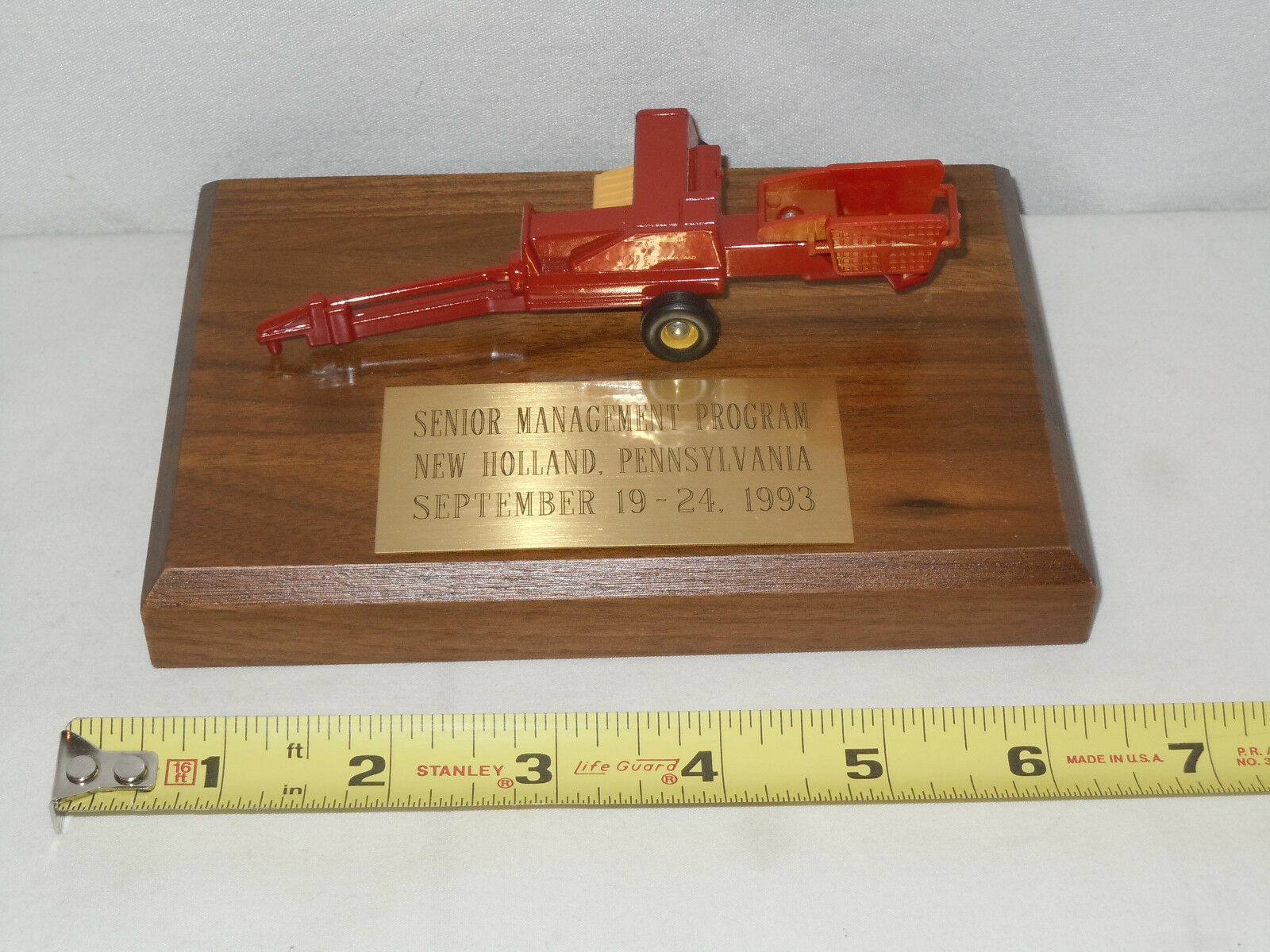 New Holland Square Baler Senior Managment Program Edition By Ertl 1 64th Scale