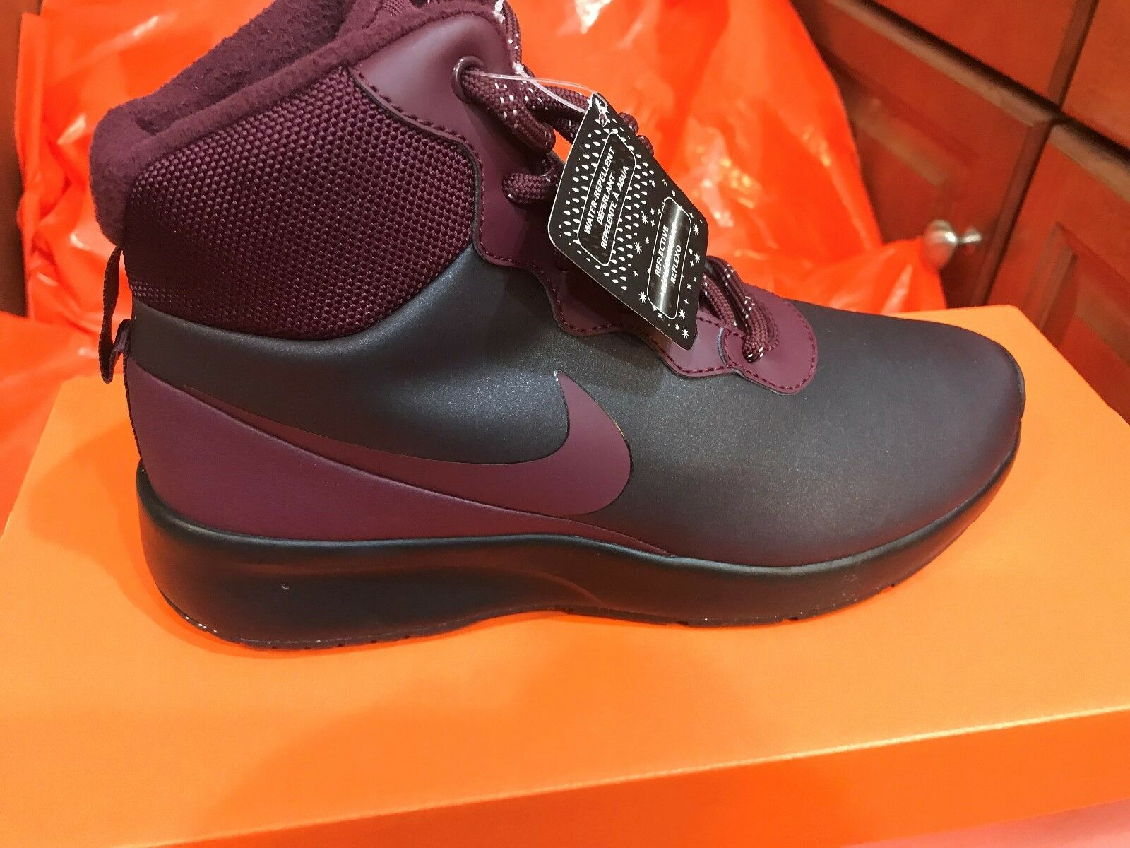 Nike Tanjun High Winter Sneaker 861672 001 SIZE 7 BLACK/BURGUNDY FREE SHIP