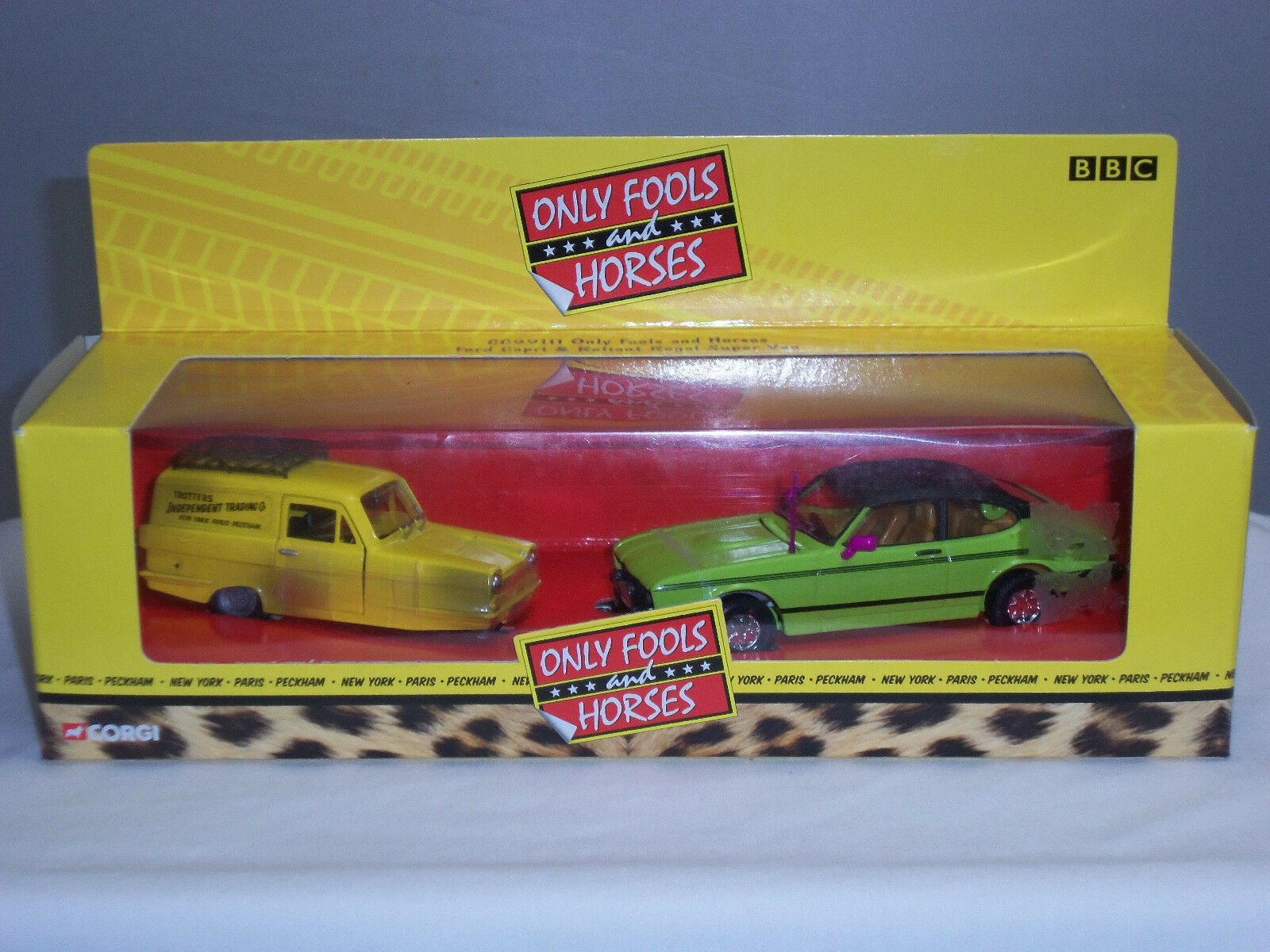 CORGI 99111 Only Fools and Horses Robin Reliant Regal Van + Vert Ford Capri