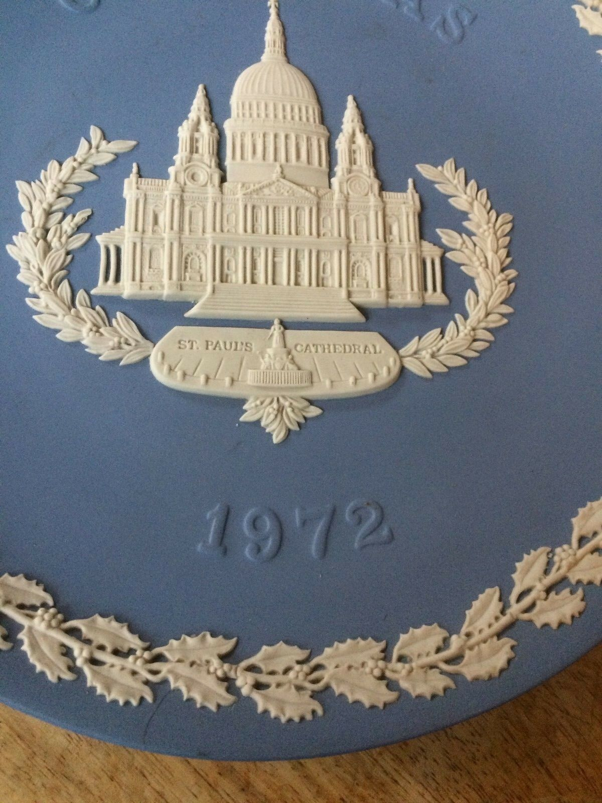 Image 5 - Wedgwood Jasper Ware Blue plate Christmas 1972 - St Paul's Cathedral