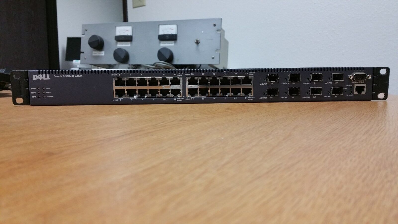 Dell PowerConnect 6024 24 10//100//1000 8 SFP Dual AC Power Switch w// RMK R1799