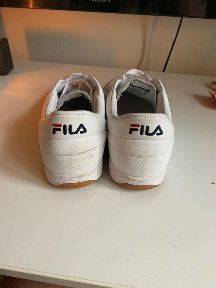 Sneakers, Fila, str. 45