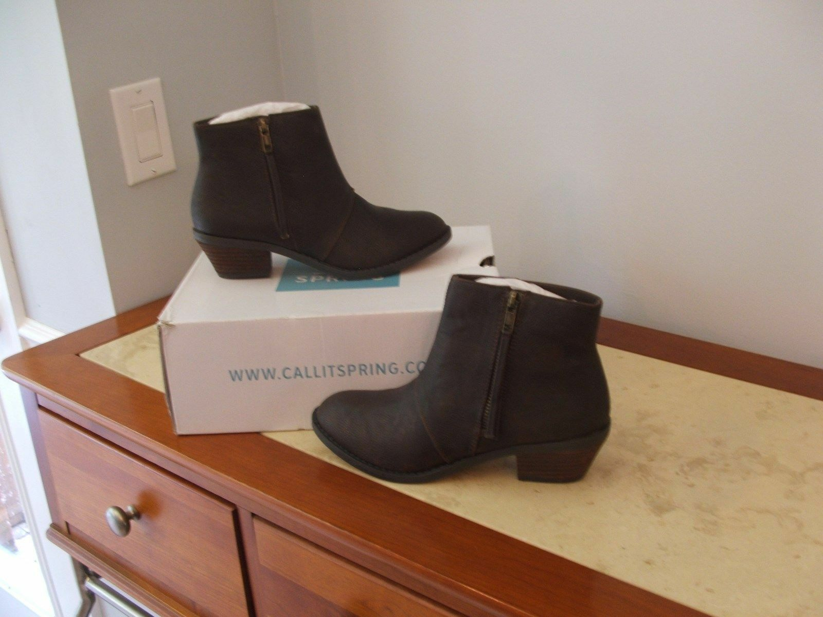 NEW IN Box CALL IT SPRING dark brown Boots  size  6 .5m ( 6 1 2 )