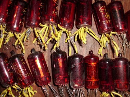 Z573M RED NIXIE TUBE RFT BRAND lot of  6pcs  used tested 100/%