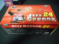 Jeff Gordon 24 2001 Dupont Chevy Monte Carlo (1:24 Scale)