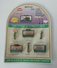 Model Power N Scale Highway Sign /& Street Light Lighted Set 1329 for sale online