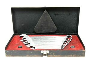 VINTAGE-COLLECTIBLE-1972-CRAFTSMANS-STAINLESS-STEEL-WRENCH-SET-IN-CASE