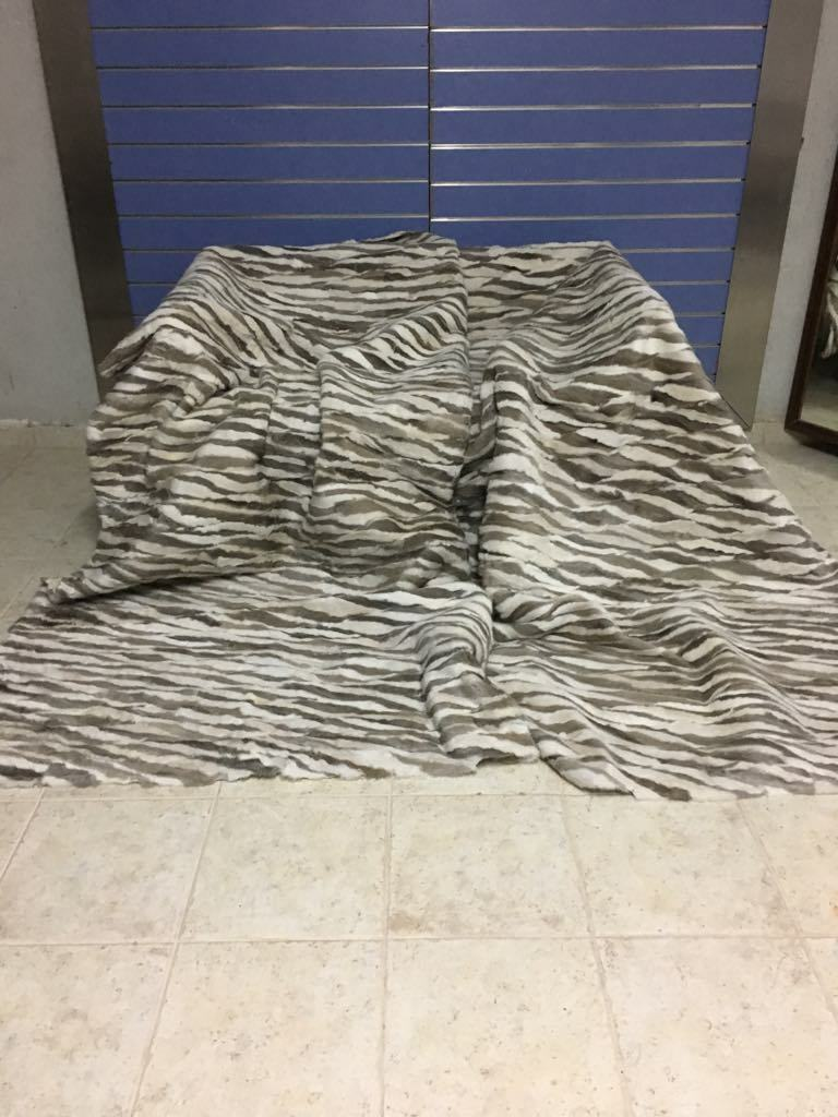 Luxury Pearl & Saphirre Mink Fur Throw Real Mink Blanket   Bedspread King Size