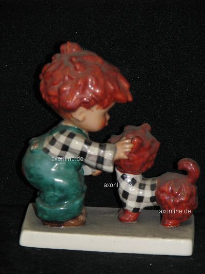 +# A001723_02 Goebel Archiv Muster Probe Charlot Byj 7 Junge Spielt Mit Hund