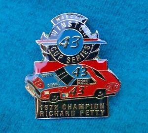 RICHARD-PETTY-NASCAR-1972-Winston-Cup-Series-Champion-STP-DODGE-43-Racing-Pin