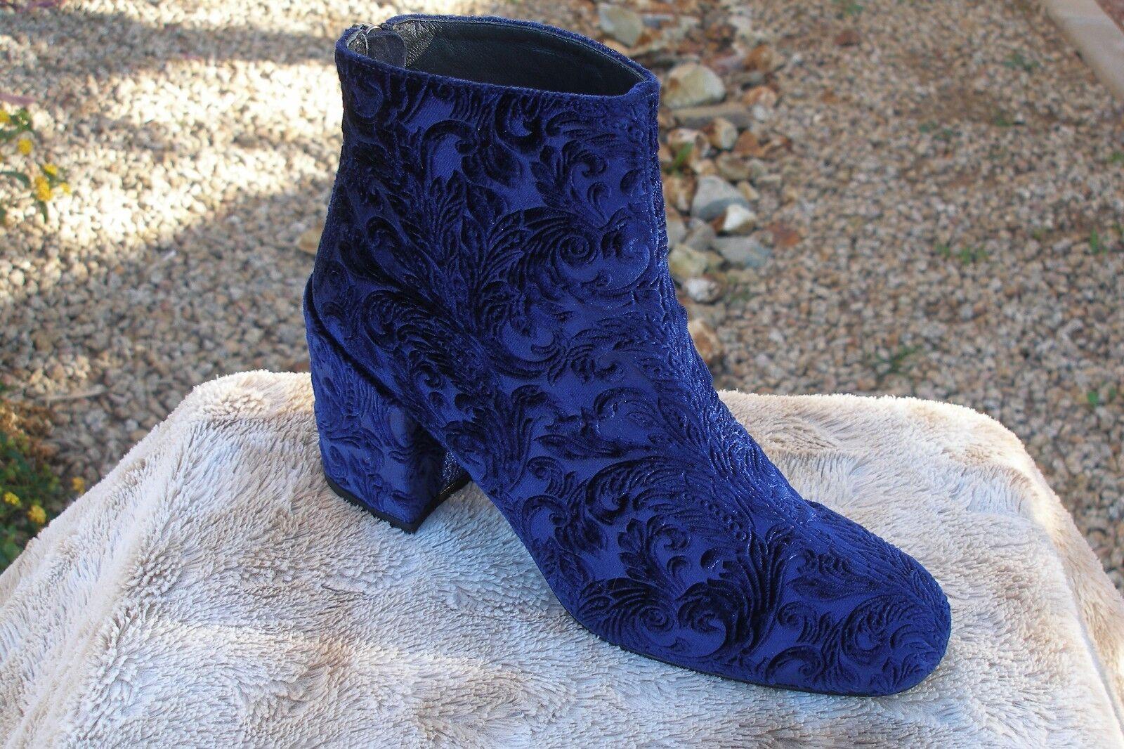 Stuart Weitzman Instep Velvet Block-Heel Stiefelies Größe 5 1 2