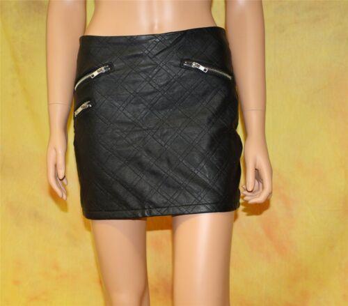 Leder-Mini-Rock schwarz allover mit origineller Karosteppung PU