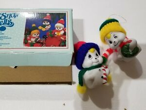 Snow-Bells-Porcelain-Ornaments-GiftCo-Snowmen-w-Knitted-Hats-Set-of-2