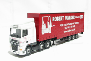 Corgi Modern Heavy Haulage CC13226 DAF XF Curtainside Robert Walker 1 50 Scale