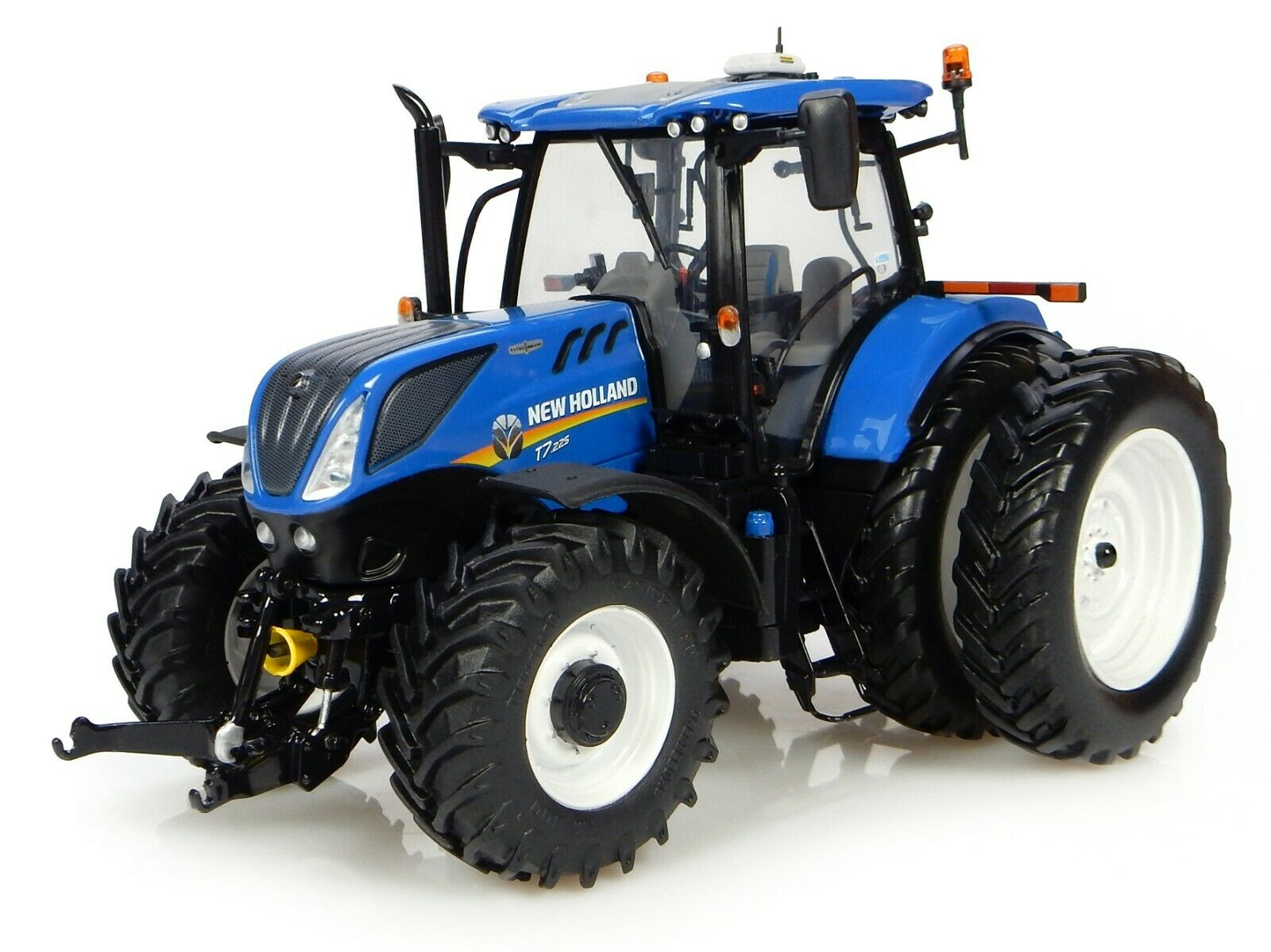 NEW HOLLAND T7.225 DUAL WHEELS TRACTOR 1/32 DIECAST BY UNIVERSAL HOBBIES UH4962