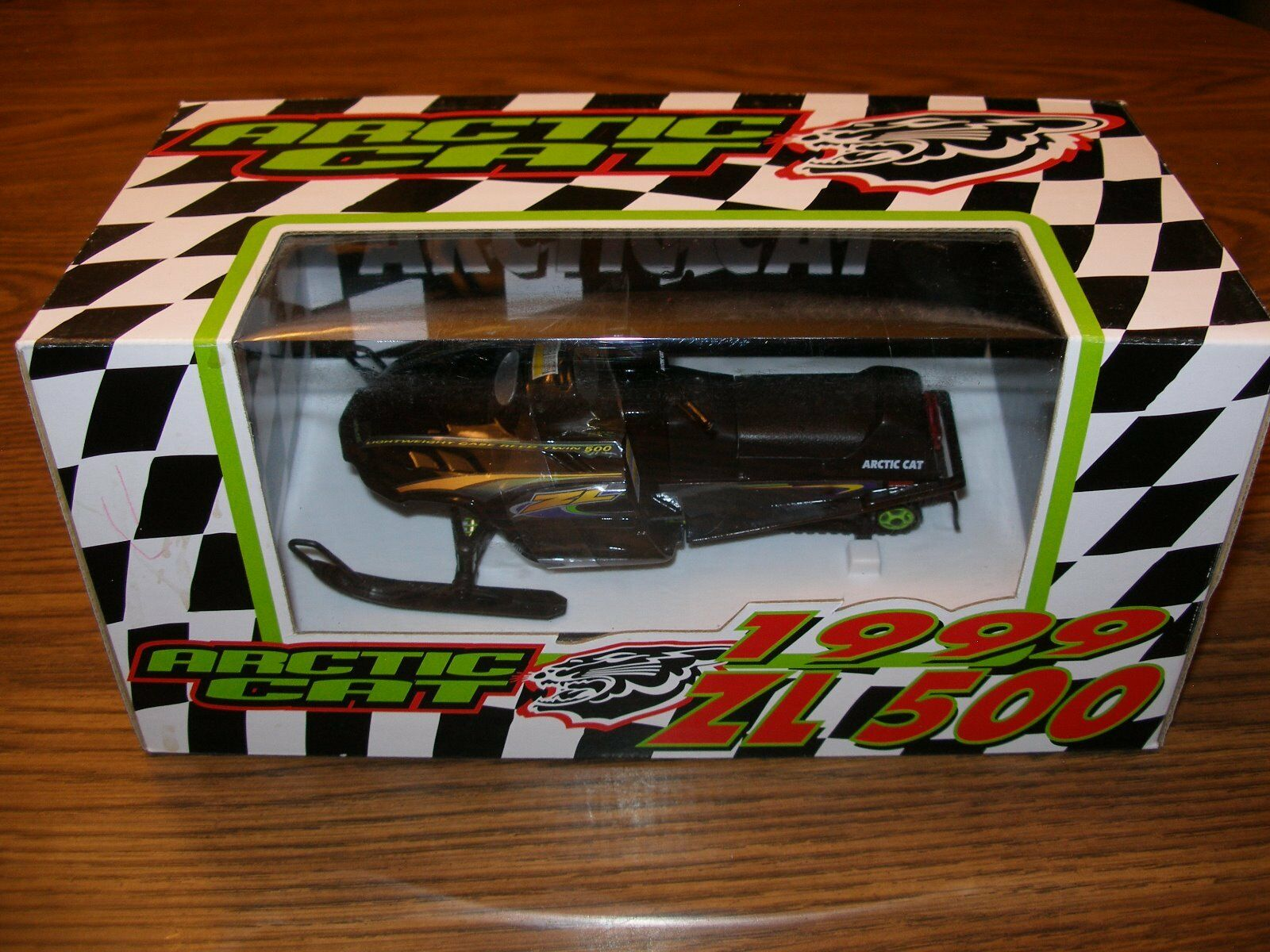 1999 ZL500 Arctic cat snowmobile Diecast Toy Collector
