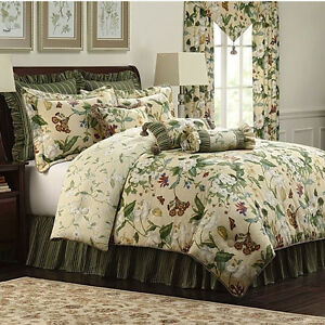 Colonial Williamsburg Garden Images 4 Piece Comforter Set