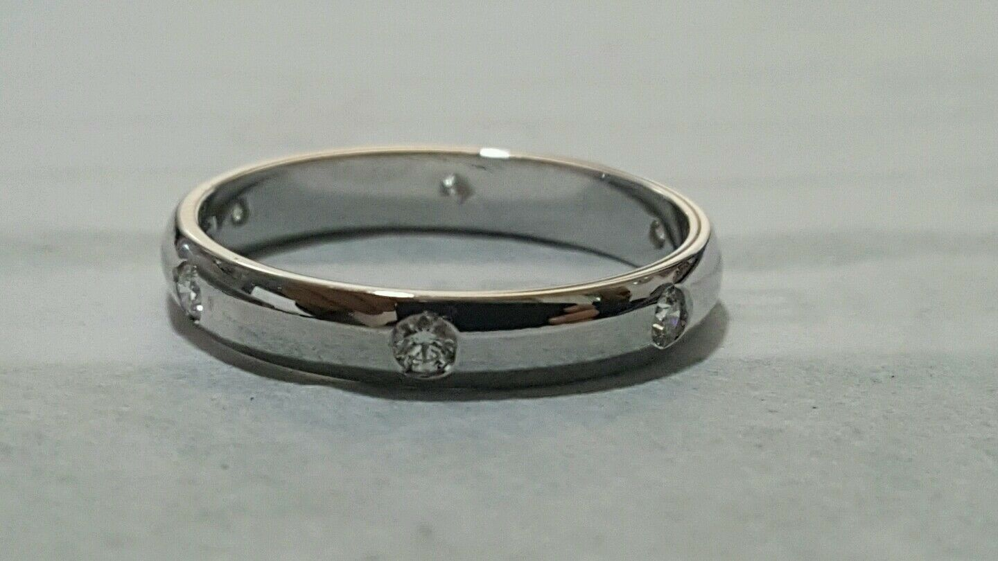 Ring engagement comfort 18 ct white gold and Diamonds 0,18 - Free