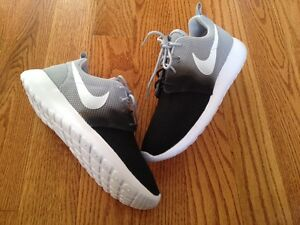 Nike Roshe Run Ovo