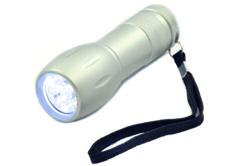 75% OFF! HI POWER SUPER BRIGHT FRONT 9 LED TORCH WATER RESISTANT ALLOY RRP 19.99