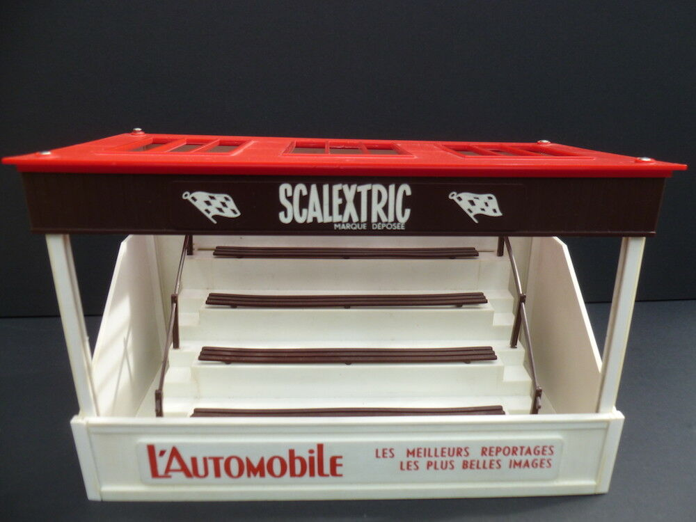 Scalextric A209 Grande Tribune, quite rare to find boxed and in good condiiton