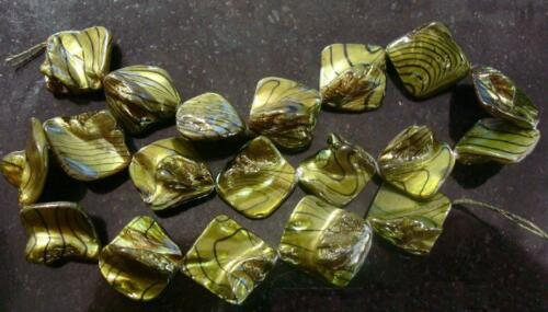 Coated peridot and black baroque mabe mother of pearl shell nugget beads bs105