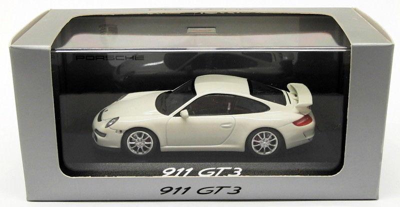 Minichamps 1 43 Porsche 911 GT3 Weiß Promo wap 020 120 16