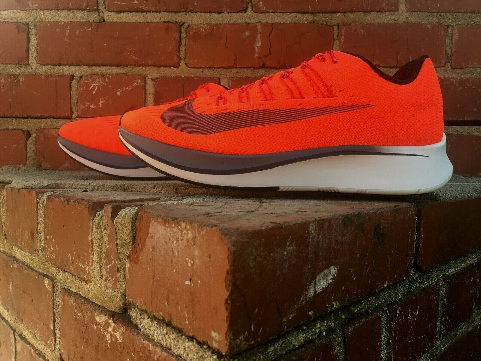 on sale f21b8 02e7d Nike Zoom Fly Bright Crimson Running Turnschuhe schuhe schuhe schuhe Style 880848  614 Men Größe 12 9e8b5a