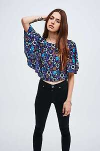 8626842f42300 Image is loading Textile-Federation-Floral-Kimono-Sleeve-Crop-Top-Blue-