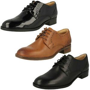 Cordones Zapatos Con E Mujer Netley Rosa Detalles Clarks Cuero Damp; Calado Smart Estilo De yYbf7v6g
